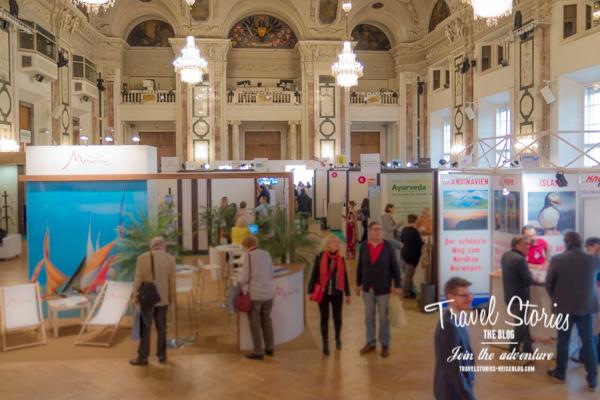 Edles Ambiente, ausgewählte Aussteller und interessierte Besucher auf dem Reisesalon in Wien