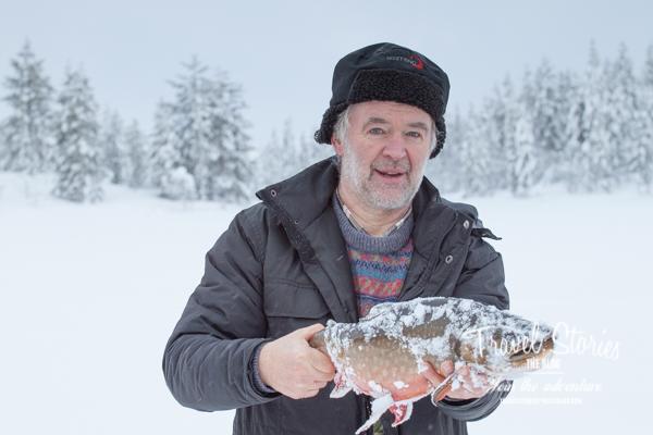 Sonny Holmberg mit einem großen Fisch ©Sabine Mey-Gordeyns