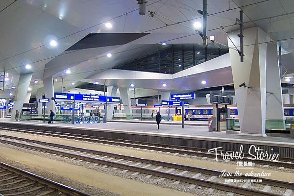 Moderne Architektur im Hauptbahnhof von Wien ©Sabine Mey-Gordeyns