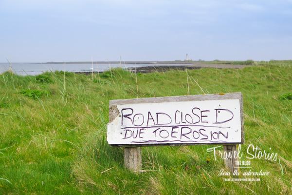 Der Weg zum Leuchtturm ist wegen Bodenerosion für Fahrzeuge gesperrt ©Sabine Mey-Gordeyns