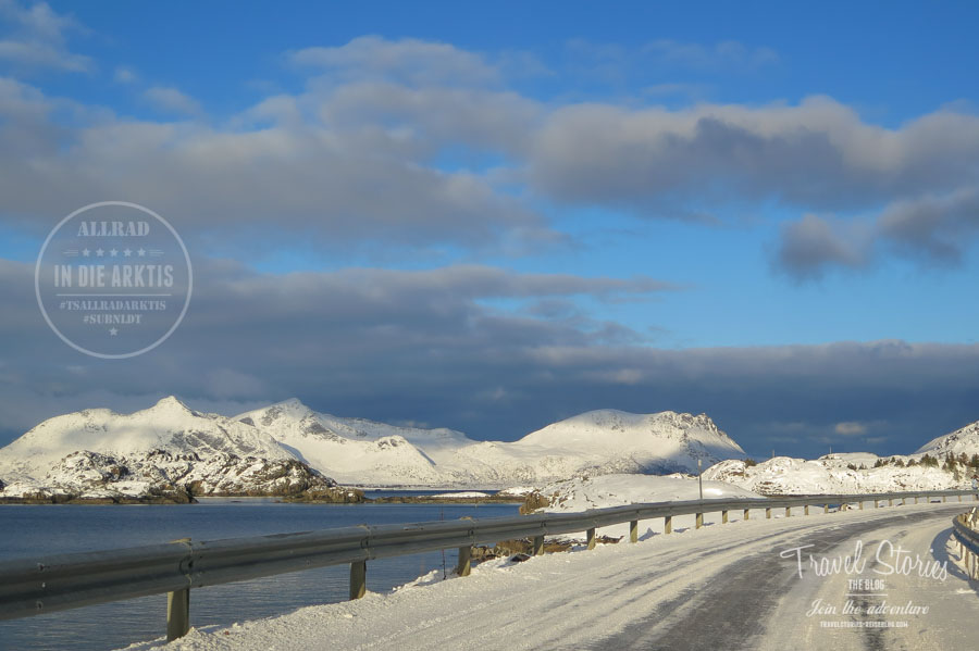 Traumstraßen auf den winterlichen Lofoten in Norwegen: wild und gefährlich ©Sabine Mey-Gordeyns