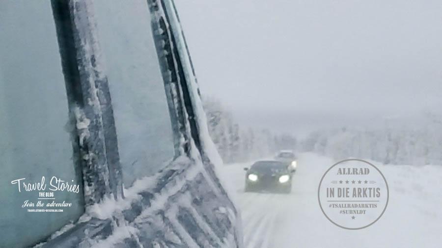 -5 Grad Celsius feuchte Kälte, Neuschnee auf Eis auf den Straßen, schlechte Sicht durch Nebel und gefrorene Fenster: mit Allradausrüstung hast Du einfach eine Sorge weniger! ©Sabine Mey-Gordeyns