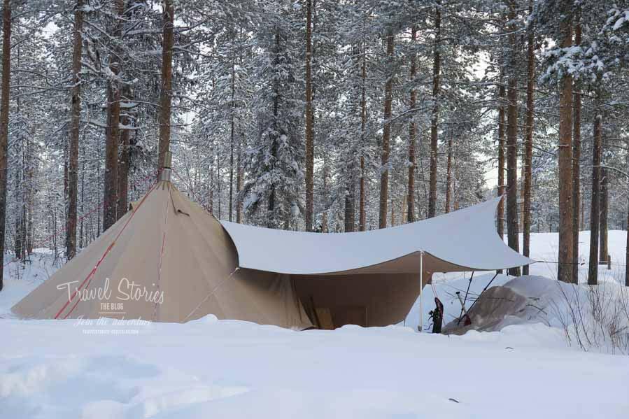 Ein Tipi mit Ofen: die schönste Form des Wintercampings, auch bei -30 Grad Celsius! ©Sabine Mey-Gordeyns