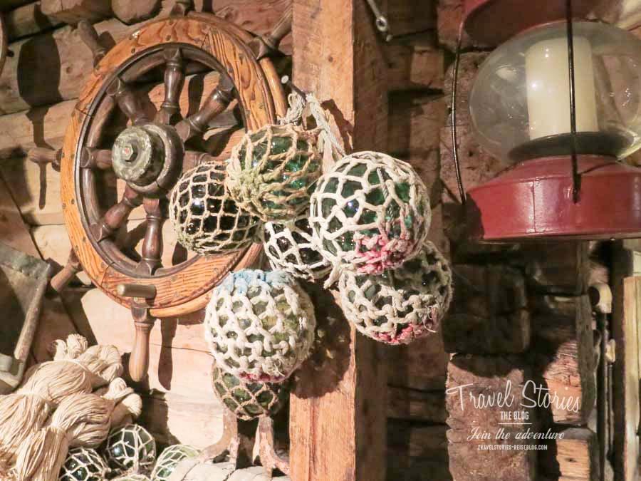 Stilvoll speisen in Borsen Spiseri in Svolvaer, umgeben von Erinnerungen an die gute alte Zeit der Lofotenfischerei ©Sabine Mey-Gordeyns