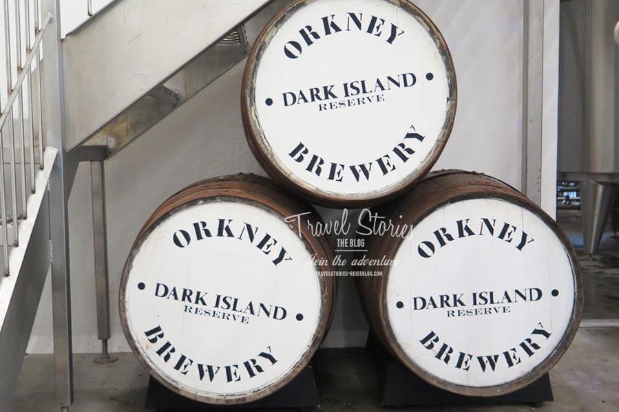 In Whiskyfässern nimmt die Dark Island Reserve einen ganz besonderen Geschmack an ©Sabine Mey-Gordeyns