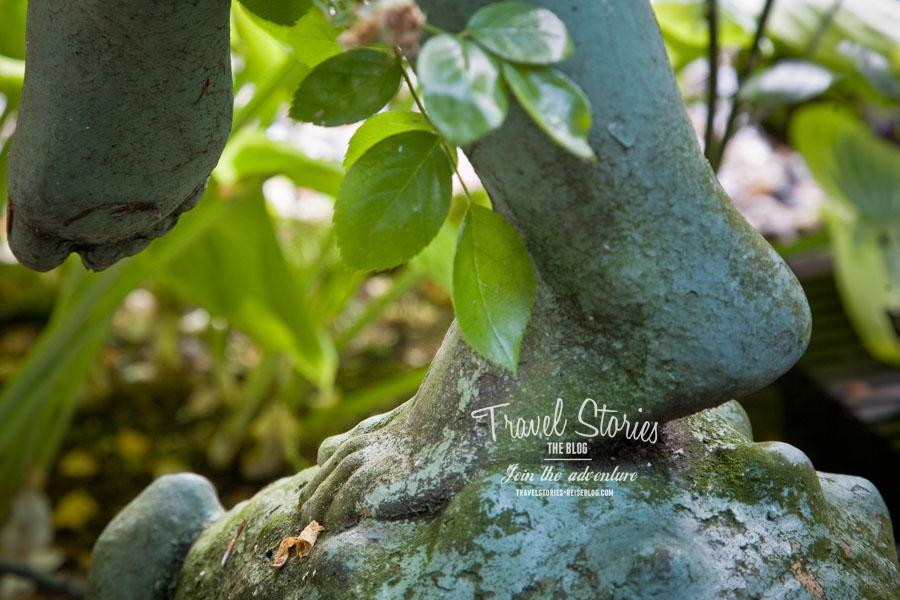 Detail einer Gartenstatue, das zum Träumen einlädt ©Sabine Mey-Gordeyns