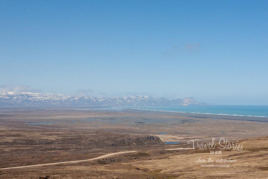 Die Weite und eine Schotterstrecke: Route 94 in Island ©Sabine Mey-Gordeyns