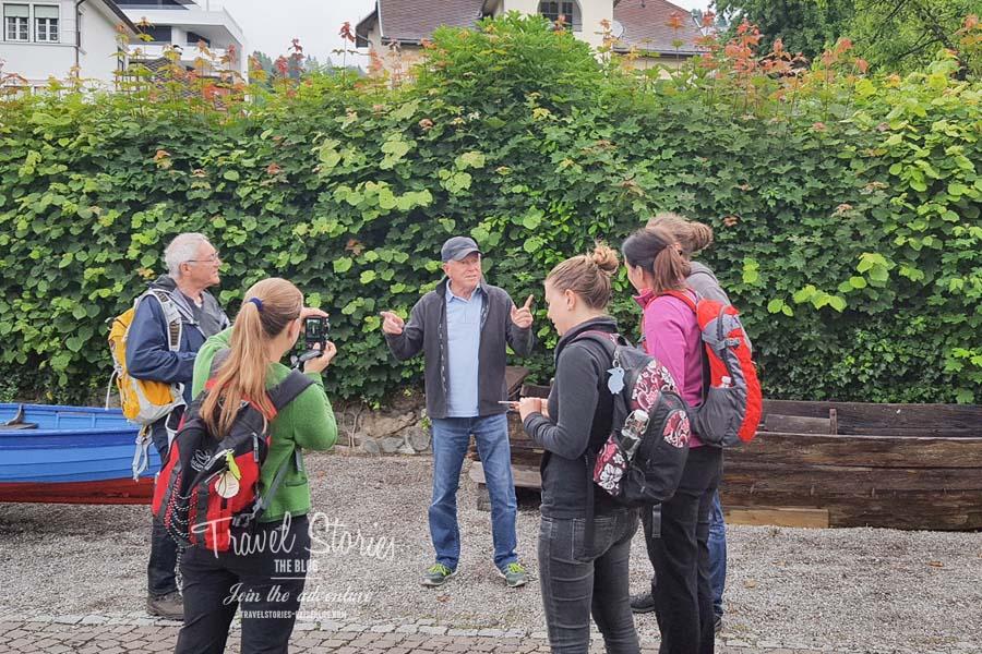 Einweisung in die Rudertour durch Gottlieb Strobl ©Sabine Mey-Gordeyns, travelstories-reiseblog.com