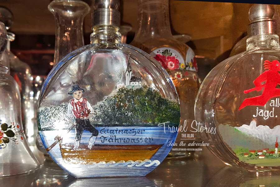Glasflaschen mit Heimatmotiv ©Sabine Mey-Gordeyns, travelstories-reiseblog.com