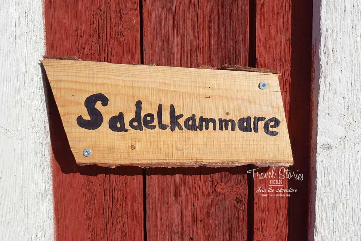 Sattelkammer am Pferdehof in Schweden ©Sabine Mey-Gordeyns, travelstories-reiseblog.com