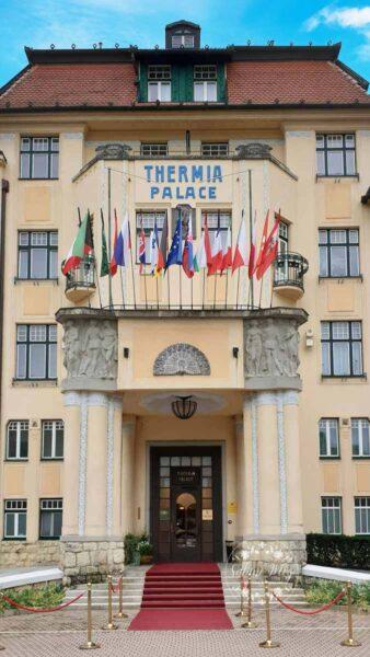 Schnupperkur mit Jugendstil und Salonorchester im 5 Sterne Grand Hotel Thermia Palace in der Slowakei – Her mit dem Schlamm!